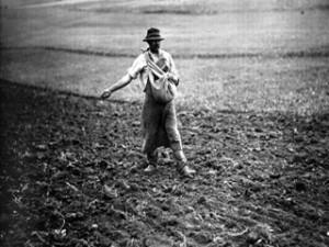 coltivatore che semina